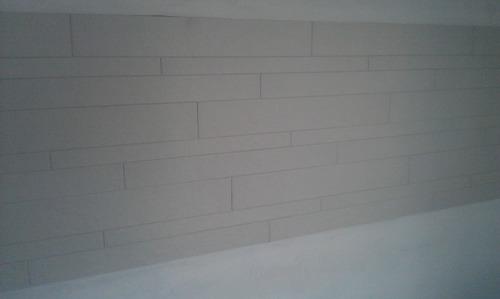 weiße Fliesen für die Küchenrückwand