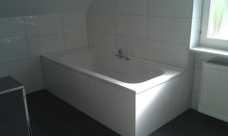 Modernes Badezimmer In Weiß Und Anthrazit