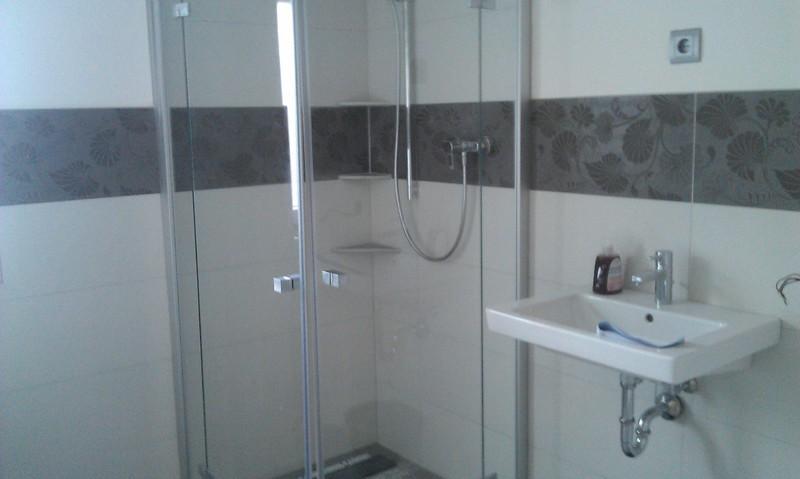 referenzen moderne badezimmer gestalten im raum main spessart. Black Bedroom Furniture Sets. Home Design Ideas